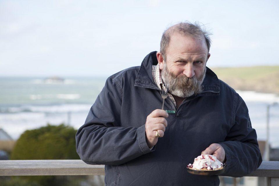 Photographers Cornwall - eating icecream outside in Cornwall