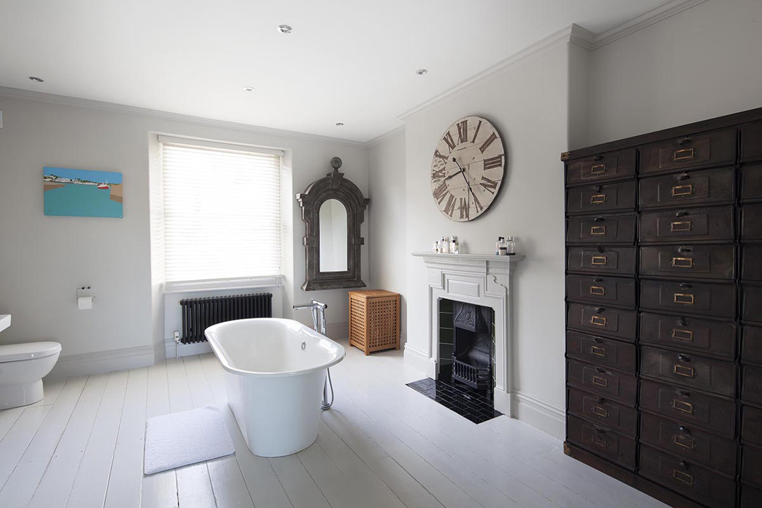 Architecture Photographer in Cornwall: Bathroom in Cornwall with fantastic interior design and architecture