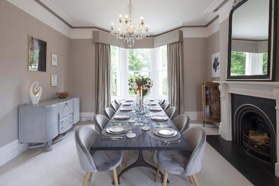 Dining table in Jersey House CheltenhamPicture Perfect Holidays